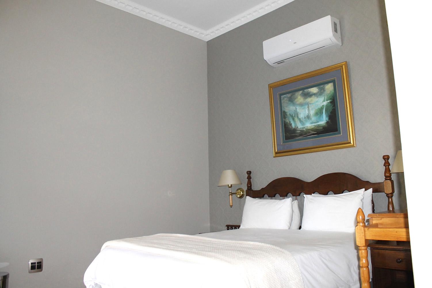 Kili: Rooms at Hobbit Hotel